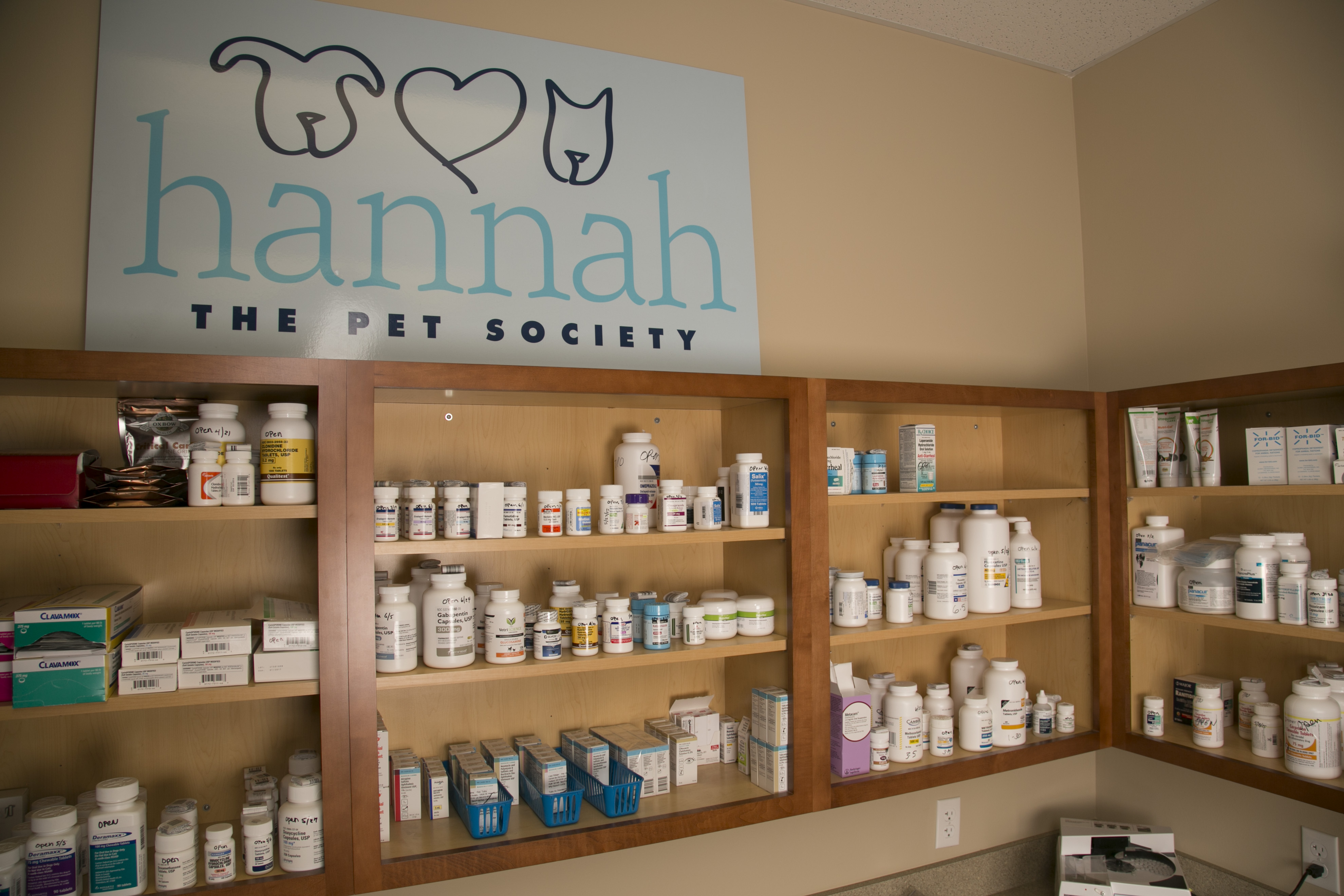 Hannah the Pet Society offers Pharmacy Veterinarian Services